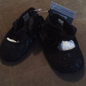 Baby shoes crawling stage number 2 3-6 mths